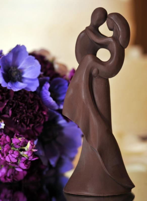 Dark Chocolate Cake Crown
