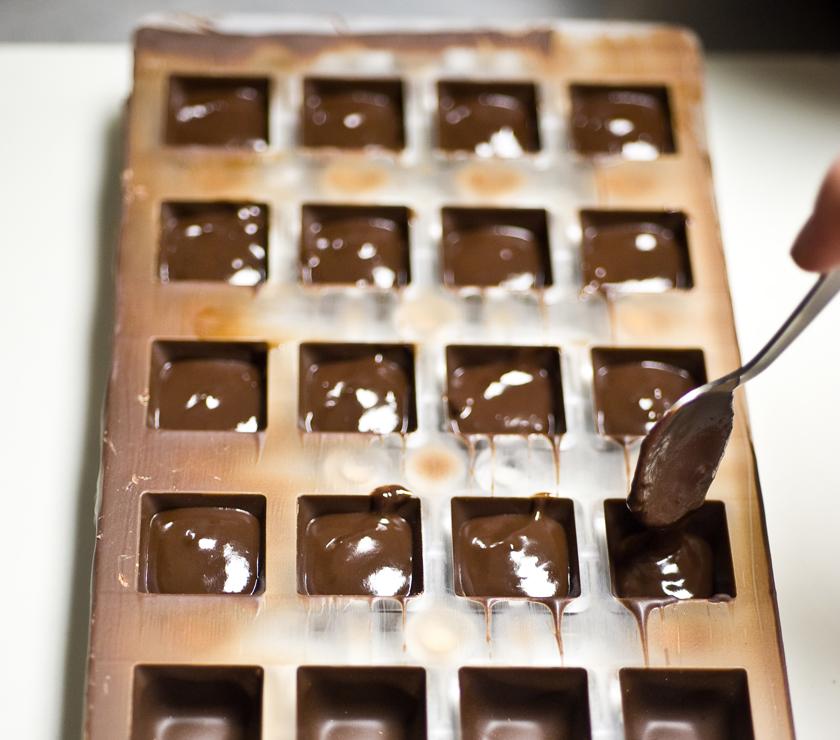 Delysia_Chocolatier_Nicole_Patel_making_chocolate_3
