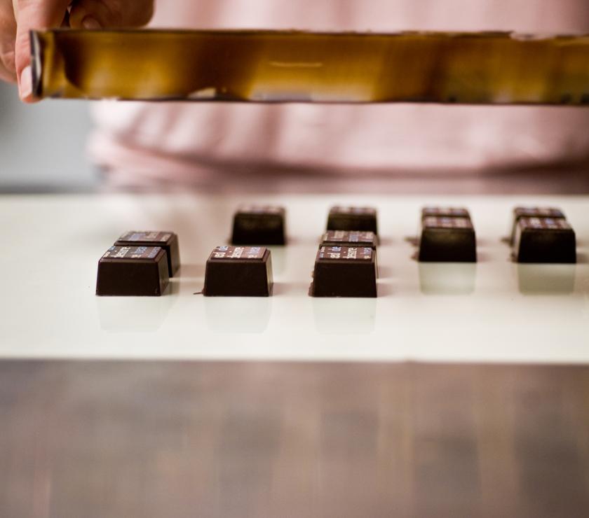 Delysia_Chocolatier_Nicole_Patel_making_chocolate_5